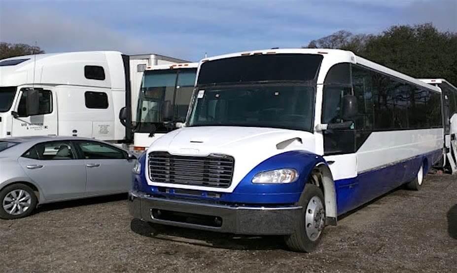 25 passengers minibus rental Freightliner